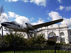 The old terminal building at Croydon Airport. Photo by tristan forward.