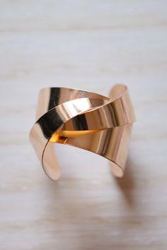 Criss Cross Gold Cuff