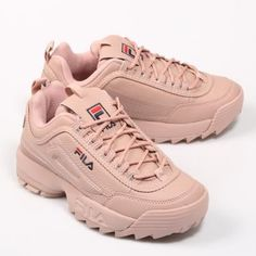 Dad sneakers, the ugly shoe trend whichever name you call them make sure to have a couple of these chunky shoes as they are one of the biggest trends of Cute Sneakers, Shoes Sneakers, Converse Shoes, Allbirds Shoes, Souliers Nike, Sneakers Fashion, Fashion Shoes, Ootd Fashion, Fashion 2020