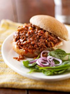 This tasty sandwich recipe just so happens to have only five ingredients (one being water!) and is ready in 20 minutes flat. Simply brown the beef, add salsa, and simmer. The salsa gives these a sloppy joe vibe but with a little more zesty flavor. #easydinnerideas #dinnerideas #quickandeasydinnerrecipes #groundbeefrecipes #bhg Keto Recipes, Dinner Recipes, Cooking Recipes, Easy Recipes, Delicious Sandwiches, Wrap Sandwiches, Quick Ground Beef Recipes, Microwave Recipes, Yummy Smoothies