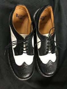 Dr Martens Brogue Black White Oxfords Wingtips Size US 10 Doc Martins Brown Leather Shoes, Leather Brogues, Dark Brown Leather, Brogues Outfit, Oxfords, Hot Shoes, Shoes Uk, Galaxy Converse, Converse Chuck