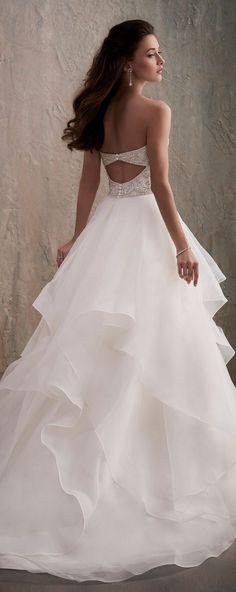 Wedding Dress by Adrianna Papell Platinum | @houseofwubrands #AdriannaPapellPlatinum #AdriannaPapell #HouseofWu