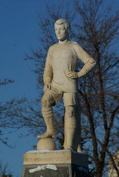 Saskatoon football memorial: Sgt Hugh Cairns
