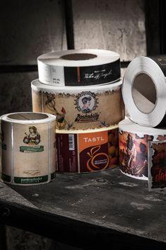 Ihr eigenes individuelles Etikett! Kommen Sie mit einem Vorschlag auf uns zu und wir verwirklichen Ihre Ideen. Die Firma ETIVERA verfügt sowohl über eine moderne, erstklassige Etikettenproduktionsanlage, die es ermöglicht Rollenetiketten höchster Güte mit zahlreichen technischen Spezialeffekten zu produzieren, als auch über die Erfahrung und das praktische Wissen, Ihre Etikettenwünsche in die Realität umzusetzen. French Press, Coffee Maker, Kitchen Appliances, Knowledge, Coffee Maker Machine, Diy Kitchen Appliances, Coffee Percolator, Home Appliances, Coffee Making Machine