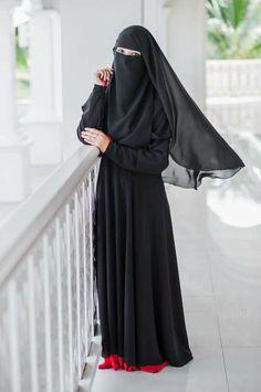 Niqab Hijab Gown, Hijab Niqab, Muslim Hijab, Hijab Outfit, Arab Girls Hijab, Muslim Girls, Muslim Women, Muslim Couples, Niqab Fashion