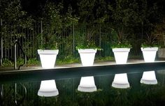 Google Image Result for http://assets.inhabitat.com/wp-content/blogs.dir/1/files/2010/07/led-plant-pot.jpg