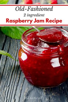 This easy, no pectin raspberry jam recipe will be the last one you'll ever need! With just two ingredients this delicious homemade raspberry jam is perfect for canning and takes little time! Raspberry Jam No Pectin, Homemade Raspberry Jam, Fresh Raspberry Recipes, Raspberry Freezer Jam, Raspberry Preserves, Fruit Preserves, Freezer Jam Recipes, Jelly Recipes, Cucina
