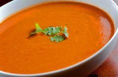 Heerlike vinnige Wortel en koljander sop resep - SA Dieet Thai Red Curry, Ethnic Recipes, Food, Essen, Meals, Yemek, Eten