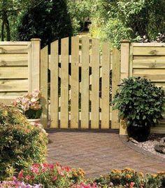 La porte de jardin en bois est plus facile à installer par rapport à celle métallique. Vous pouvez bien sur choisir le grillage, mais ici on présente un ...