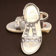 I found some amazing stuff, open it to learn more! Don't wait:https://m.dhgate.com/product/2016-new-arrival-female-child-sandals-girl/376522244.html