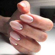 A good base is essential to have beautiful nail perfectly polished, whether with varnish or gel. Here's what you can do or advise to ensure your clients have perfect nails. 'Nail discoloration can have… Continue Reading → Nail Art Designs, Gel Manicure Designs, Bridal Nails Designs, Gel French Manicure, Natural Wedding Nails, Simple Wedding Nails, Wedding Manicure, Wedding Nails Design, Wedding Designs