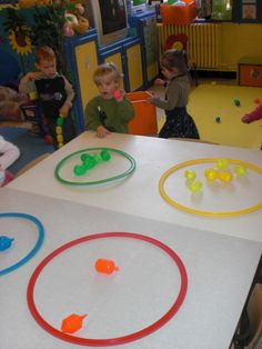 Such a fun idea! Learning colors and a motor activity! Preschool Rooms, Preschool Centers, Preschool Classroom, Classroom Activities, Preschool Activities, Quiet Time Activities, Gross Motor Activities, Toddler Activities, Baby Crafts
