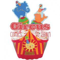 Muffinförmchen mit Picker im Zirkus-Design. Ein Muss für jeden Kindergeburtstag! #Muffinförmchen