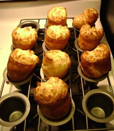 Martha Stewart Popovers – Food to try Popover Pan, Popover Recipe, Martha Stewart Christmas, Martha Stewart Thanksgiving, Martha Stewart Cooking School, Martha Stewart Recipes, Martha Stewart Crafts, Brunch Recipes, Appetizer Recipes