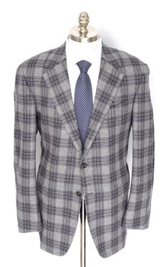 Almost like a large-print glen plaid, this #gray and #navy #blazer is an #Oxxford masterpiece.  |  Want your own? http://www.frieschskys.com/blazers  |  #frieschskys #mensfashion #fashion #mensstyle #style #moda #menswear #dapper #stylish #MadeInItaly #Italy #couture #highfashion #designer #shopping