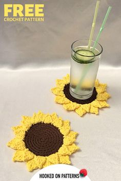Check out this free crochet pattern for summer sunflower coasters! Brighten up a room, or make a crocheted gift. Fun DIY Crafts from Hooked On Patterns. Modern Crochet Patterns, Crochet Patterns For Beginners, Crochet Designs, Crochet Home, Free Crochet, Crochet Summer, Crochet Sunflower, Crochet Flowers, Craft Free
