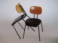 Las sillas de Van der Meeren son ahora un must, piezas buscadas por coleccionistas y entendidos. Podrían estar en el aula, pero las prefiero en casa.