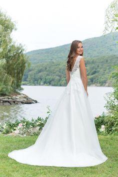 Bruidsjurk Trouwjurk Wedding Sincerity Sweetheart Ivoor Ivory Simpel Romantisch Open Rug Stoer Princes Prinsessen Lace Kant
