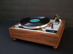 Walnut wood PLINTH for Thorens / 160 turntable series Vinyl Record Player, Record Players, Vinyl Records, Platine Vinyle Thorens, Hifi Video, Audiophile Turntable, High End Turntables, Best Dj, Best Dance