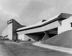 Claude Parent Architecte SUMA Supermarket in Ris-Orangis, France, around 1969. Le supermarché SUMA à Ris-Orangis, autour de 1969. Photo: Pierre Berenger