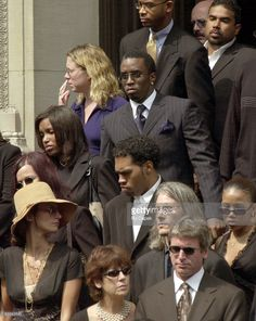 Sean 'Puffy' Combs at Aaliyah's funeral Aaliyah Pictures, Sean Combs, Glam Photoshoot, Celebrity Deaths, Great Women, Black Is Beautiful, Black History, Famous People
