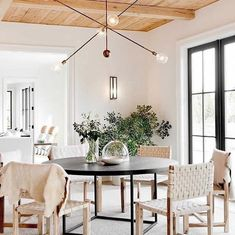 Best Farmhouse Dining Room Lighting Ideas – Modern Home Decor, Dining Room Remodel, Interior, Dining, Dining Room Design, Beige Room, Room Remodeling, Farmhouse Dining Room Lighting, Modern Farmhouse Dining Room
