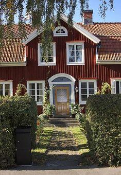 Old Town, Kalmar, Sweden Swedish Cottage, Red Cottage, Scandinavian Living, Scandinavian Design, Sweden House, Red Houses, Sweden Travel, Swedish Style, Architecture