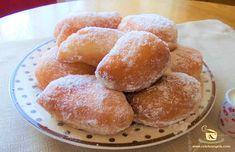 Romanian Desserts, Romanian Food, Romanian Recipes, Jacque Pepin, Good Food, Yummy Food, I Foods, Donuts, Breakfast Recipes