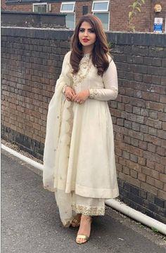 Nandini by Niti J Kundu Simple Pakistani Dresses, Indian Gowns Dresses, Indian Fashion Dresses, Dress Indian Style, Pakistani Dress Design, Pakistani Outfits, Indian Dresses For Girls, Pakistani Fashion Party Wear, Punjabi Suits Party Wear