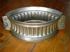 Details about VINTAGE FLUTED RAISED GAME PIE MOULD HINGED PORK PIE TIN & Raised pie mold finally found after 2 years of searching ...