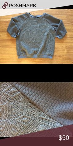 Market and Spruce Quilted sweatshirt Gray market and spruce top- contrasting pattern from arms to body (see pic)- size MED - sold as a sweatshirt but I think it is more of a thick cotton top- very comfortable and easy to dress up or down! Market & Spruce Tops Sweatshirts & Hoodies
