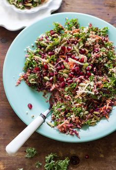 healthy kale + quinoa salad with ginger-curry vinaigrette | theclevercarrot.com