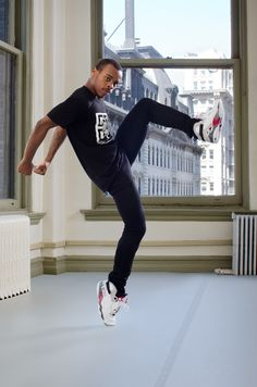 Who said you can't be on pointe in sneakers?!  Lil Buck pushing the boundaries between street dance and art performance.