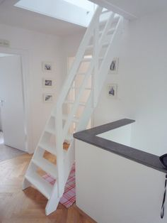 Attic Bedroom Designs, Loft Stairs, Loft Studio, Stair Railing, Staircase Design, Bungalow, Beach House, Sweet Home, New Homes