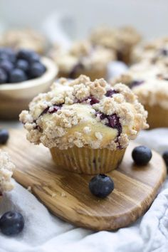 These are a family favorite! Fluffy blueberry muffins topped with a buttery cinnamon crumble topping just like the bakery makes. Blueberry Crumb Muffins, Homemade Blueberry Muffins, Blue Berry Muffins, Blueberry Recipes, Blueberries Muffins, Tasty Bread Recipe, Bread Recipes, Soup Recipes, Shrimp Recipes