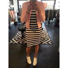 #mulpix Hallo nieuw streep jurkje, jou wil ik wel ♡ leuk te combineren met onze nieuwe suedine bomber! -Jurk €44,95 One size/stretch -Robey sneakers €109,95 36 t/m 42 BACK in STOCK! -Suedine bomber roze €49,95 S t/m L  #new  #bomber  #suedine  #armygreen  #pink  #must  #musthave  #dress  #striped  #style  #jacket  #mode  #fashion  #fashionstore  #kledingwinkel  #justbejolie  #lekkerkerk  #bergambacht
