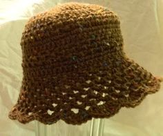 Bizzy Crochet: Lacy Sunny Baby Hat free pattern.