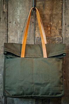 MAKR Fold Weekender Olive Canvas