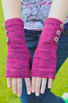 These Seeded Mitts are designed to be sensible yet feminine with seed stitch and button accents. Perfect for wearing while working at a computer, texting, or while driving in the winter time.