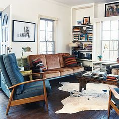 Love the cowboy cottage theme with vintage furnishings - eco chic! Living Room