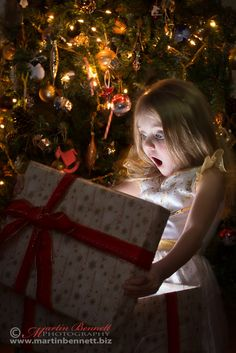Photograph Magical Gift by Martin Bennett on Xmas Photos, Family Christmas Pictures, Toddler Christmas, Christmas Minis, Merry Christmas, Deco Studio, Photos Originales, Christmas Mini Sessions, Christmas Photography