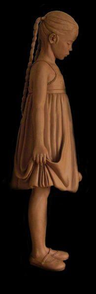 Cette artiste sculpte la terre qui donnera leur forme à des statues de bronze ; son journal d'atelier est très instructif sur les émotions , les hauts et les bas de l'humeur d'un créateur http://devillechabrolle.typepad.com/devillechabrolle/page/3/ Ses...