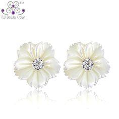 6e11d9f45 Natural Pearl Shell Daisy Flower Stud Earrings For Women Young Lady Girls 925  sterling silver 2017 New Fashion Korean Jewelry-in Stud Earrings from  Jewelry ...