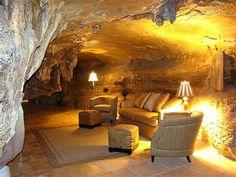 Beckham Creek Cave Lodge – Parthenon, Arkansas