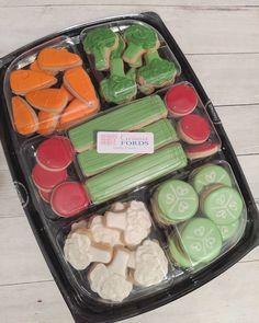 Mini Cookies, Fancy Cookies, Iced Cookies, Holiday Cookies, Cupcake Cookies, Sugar Cookies, Cupcakes, Cookie Favors, Flower Cookies