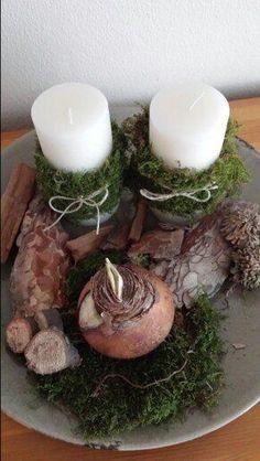 For springtime Diy Christmas Tree, Christmas Candles, Christmas Is Coming, Rustic Christmas, Christmas Time, Christmas Decorations, Christmas Arrangements, Flower Arrangements, Diy Porch