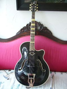 Jazz Guitar, Guitar Amp, Cool Guitar, Archtop Acoustic Guitar, Vintage Guitars, Dreams, Tools, Music, Guitars