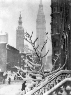 Two Towers - New York - Alfred Stieglitz (American, Hoboken, New Jersey New York) 1911 Edward Steichen, Alfred Stieglitz, Vintage New York, York Art Gallery, A New York Minute, New York Pictures, Snowy Pictures, Photocollage, New York Art