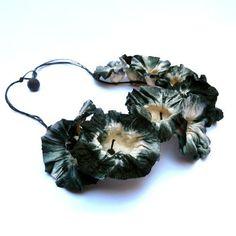 "Paper necklace ""Amarillis"" of Ana Hagopian by ArteArtesania 125€"