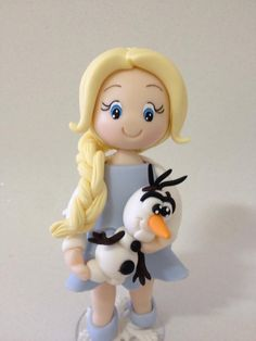 Biscuit: Elsa Frozen baby modelada à mão por Le Biscuit Denise Marrach denisemarrach@hotmail.com 19-99763-9570 e 19-99602-8897